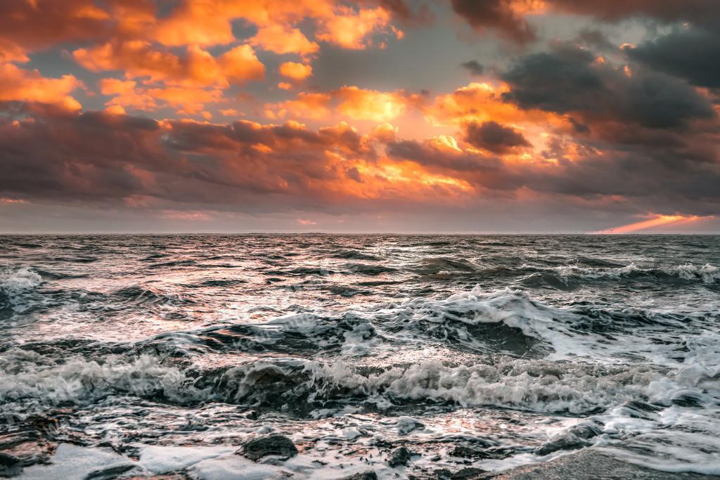 20190207-Stürmisches Meer