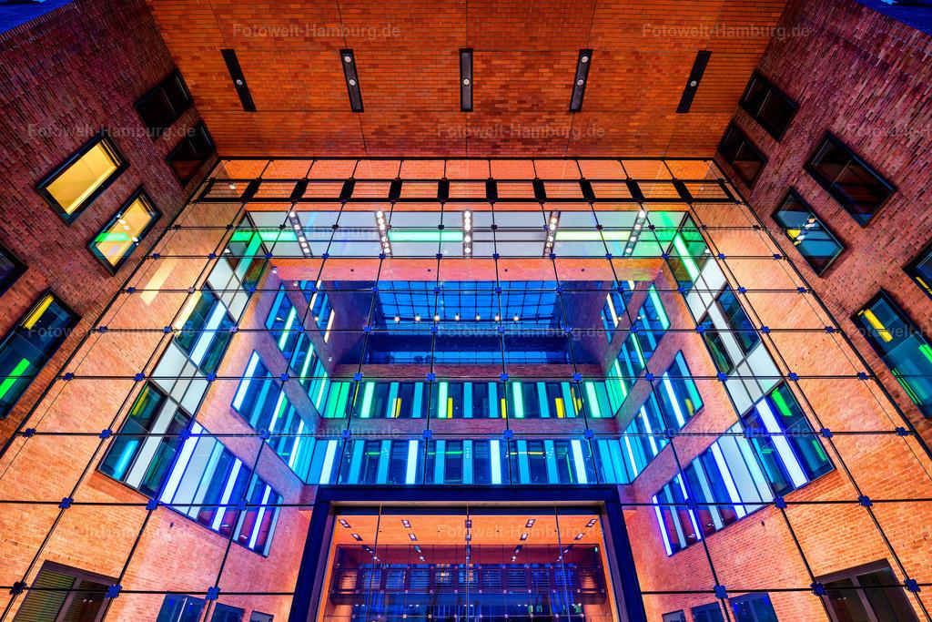 10201209 - Symmetrie | Architektur am Holzhafen in Hamburg Altona im Detail.