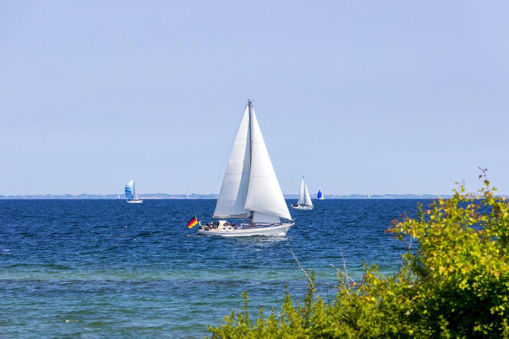 Segelboote vor Falshöft | Segelboote vor Falshöft im Frühling