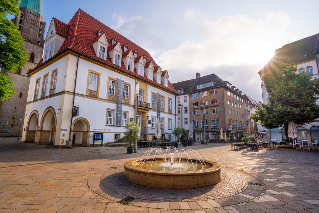 Alter Markt in Bielefeld | Alter Markt mit Springbrunnen in der Bielefelder Altstadt.
