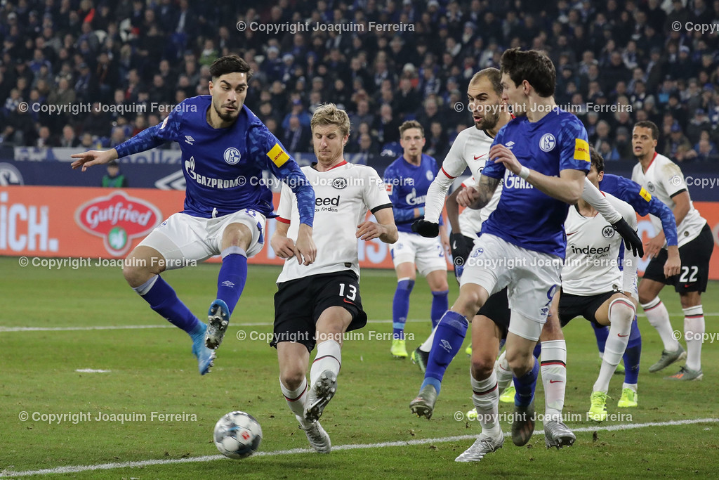 191215_schvssge_0062 | 15.12.2019 Fussball 1.Bundesliga, FC Schalke 04 - Eintracht Frankfurt  emspor  v.l.,  Suat Serdar (FC Schalke 04), Martin Hinteregger  (Eintracht Frankfurt), Bas Dost (Eintracht Frankfurt), Benito Raman (FC Schalke 04), Zweikampf, Action, Aktion, Battles for the Ball    (DFL/DFB REGULATIONS PROHIBIT ANY USE OF PHOTOGRAPHS as IMAGE SEQUENCES and/or QUASI-VIDEO)