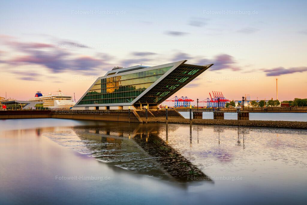 10200505 - Abend am Dockland | Tolle Abendstimmung am Dockland, einem architektonischen Highlight am Fischereihafen in Hamburg Altona.