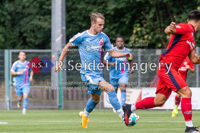 Fußball, Herren, LOTTO-Pokal Halbfinale, FC Eintracht Norderstedt - Altona 93, Edmund-Plambeck-Stadion, 16.08.2020 | Ole Wohlers (#11, AFC, Mittelstürmer)