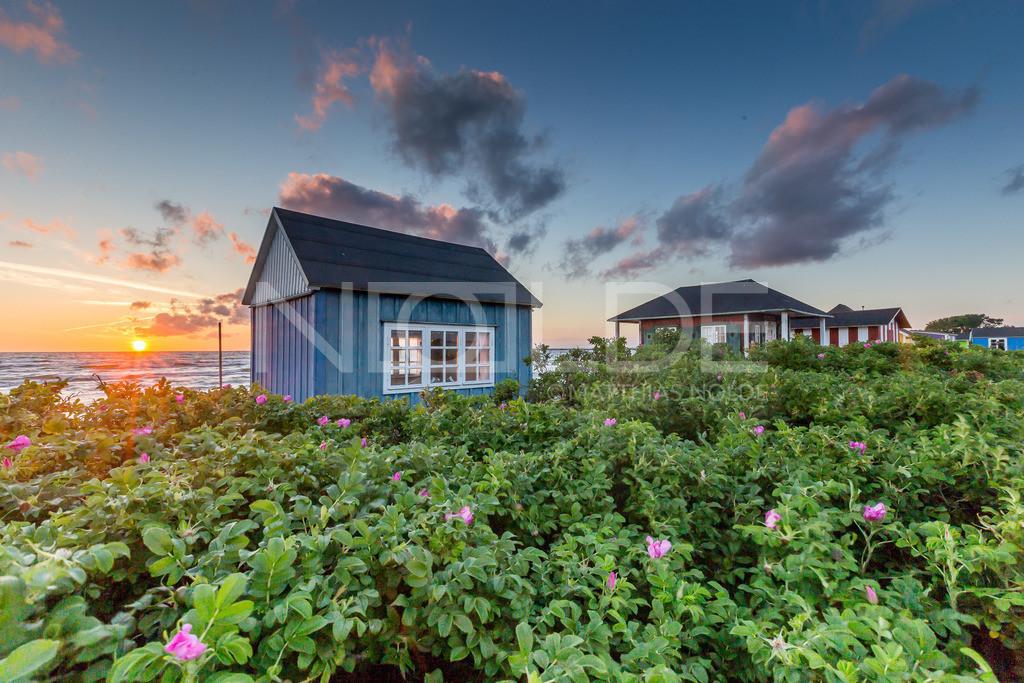 Aerö am Abend | Badehäuschen auf der dänischen Insel Aerö im Licht des Sonnenuntergangs