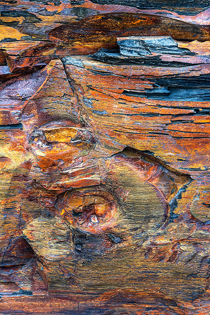Steinstrukturen  | Triptychon Kilkee I - 2 | Best. Nr. irl_2014_05_6845 | Farbenfrohes Gestein an der Küste von Moore Bay, Kilkee, Irland. Anwendungsvorschläge finden Sie hier: https://shop.soulimages.eu/img/i9fnzd (Privatbereich) und hier: https://shop.soulimages.eu/img/s0mp9g (Büro), https://shop.soulimages.eu/img/fy56jd (Besprechungsraum). Weitere Einrichtungsbeispiele sind in der Galerie