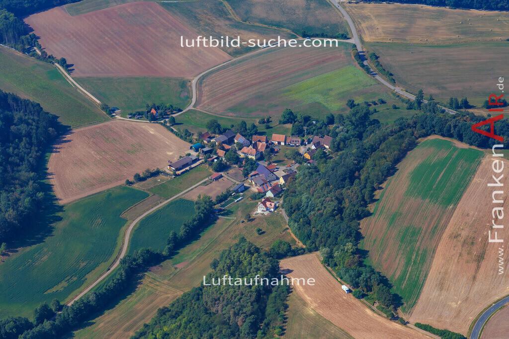 holzhausen-ipsheim-2016-8545 | Luftbild von Holzhausen Ipsheim - Luftaufnahme wurde 2016 von https://frankenair.de mittels Flugzeug (keine Drohne) erstellt - die Geschenkidee