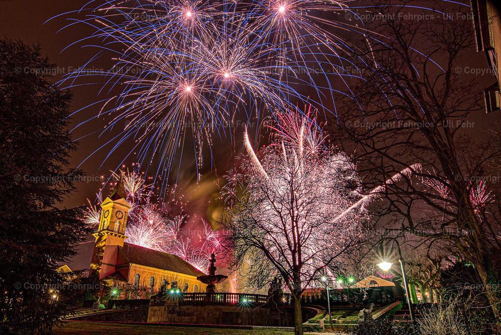 Silvester@Kurgarten | Der Jahreswechsel 2019/2020 an der Luswigskirche im oberen Kurpark.