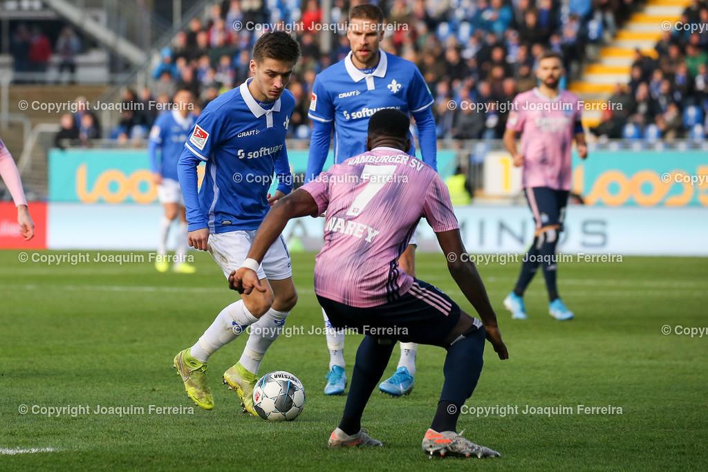 191221svdvshsv_0404 | 21.12.2019 Fussball 2.Bundesliga, SV Darmstadt 98-Hamburger SV emspor, despor  v.l.,  Marvin Mehlem (SV Darmstadt 98), Khaled Narey (Hamburger SV), Zweikampf, Action, Aktion, Battles for the Ball    (DFL/DFB REGULATIONS PROHIBIT ANY USE OF PHOTOGRAPHS as IMAGE SEQUENCES and/or QUASI-VIDEO)