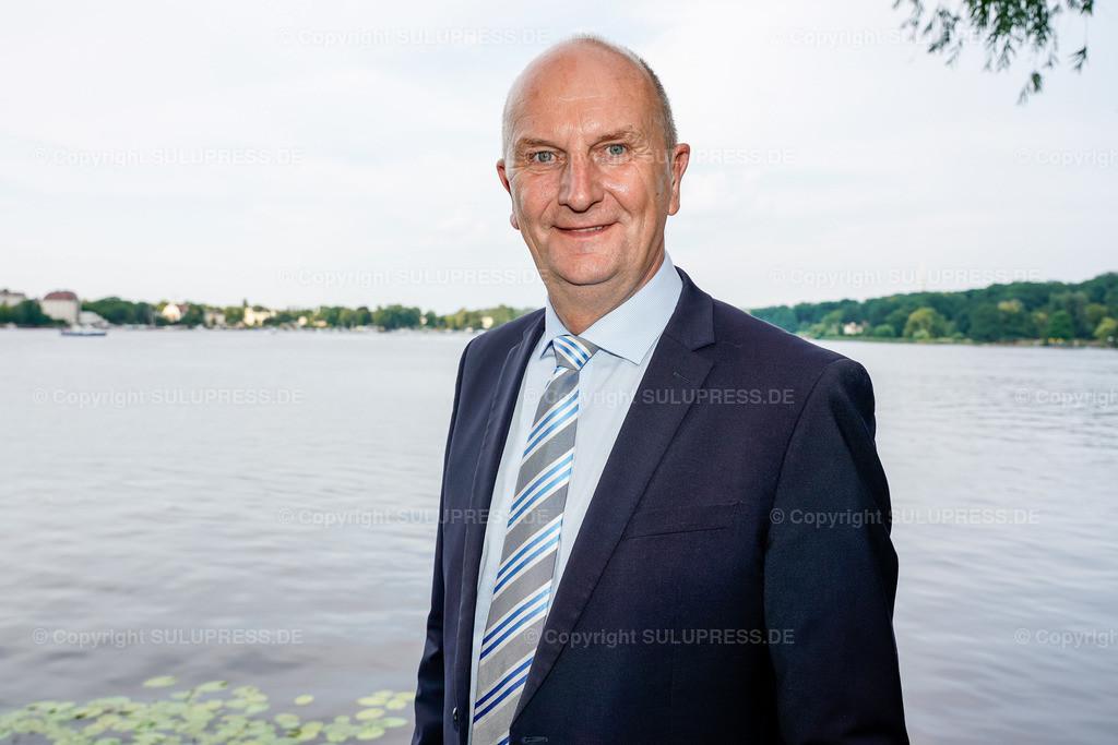 Dietmar Woidke - Portrait beim Brandenburger Sommerabend 2019 in Potsdam | 19.06.2019, Dietmar Woidke, Ministerpräsident in Brandenburg beim