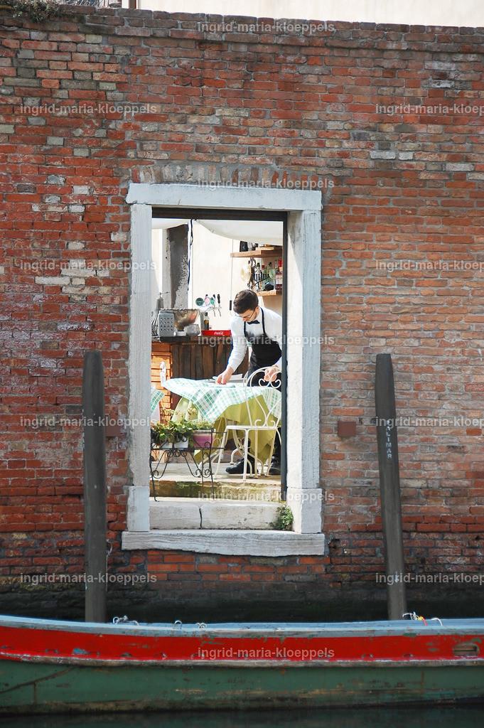 V010 | Fensterblick
