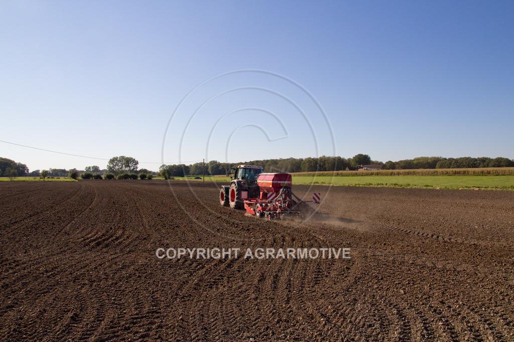 20110930-IMG_0026 | säen von Wintergerste - AGRARFOTOS