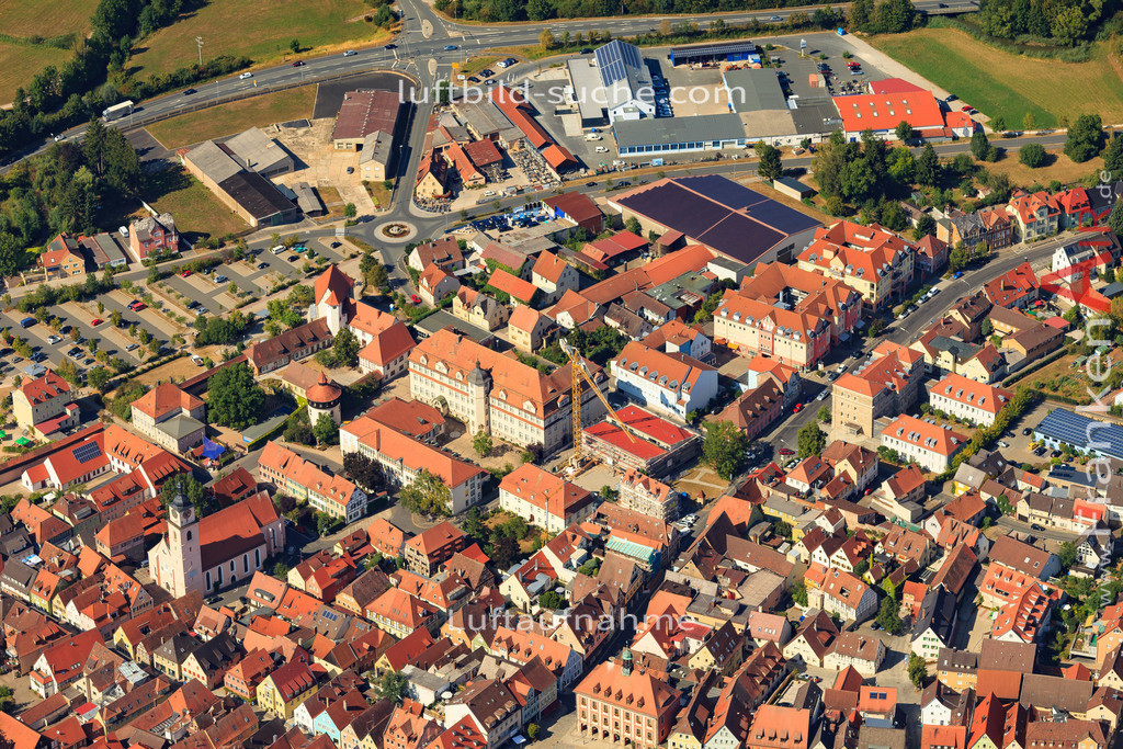 luftbild-neustadt-an-der-aisch-2015-5015   Luftbild von  Neustadt-an-der-aisch - Luftaufnahme wurde 2015 von https://frankenair.de mittels Flugzeug (keine Drohne) erstellt - die Geschenkidee