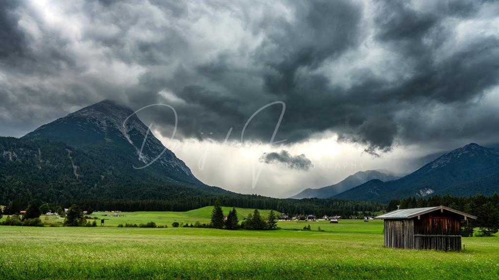 Gewitterstimmung | Gewitterstimmung mit Blick ins Gaistal. Links die Hohe Munde