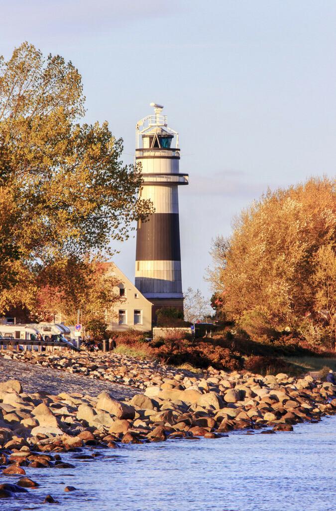 Leuchtturm in Bülk | Leuchtturm in Bülk im Herbst