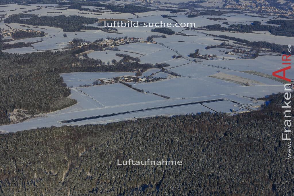 flugplatz-kulmbach-2016-1948 | Luftbild von Flugplatz Kulmbach - Luftaufnahme wurde 2016 von https://frankenair.de mittels Flugzeug (keine Drohne) erstellt - die Geschenkidee