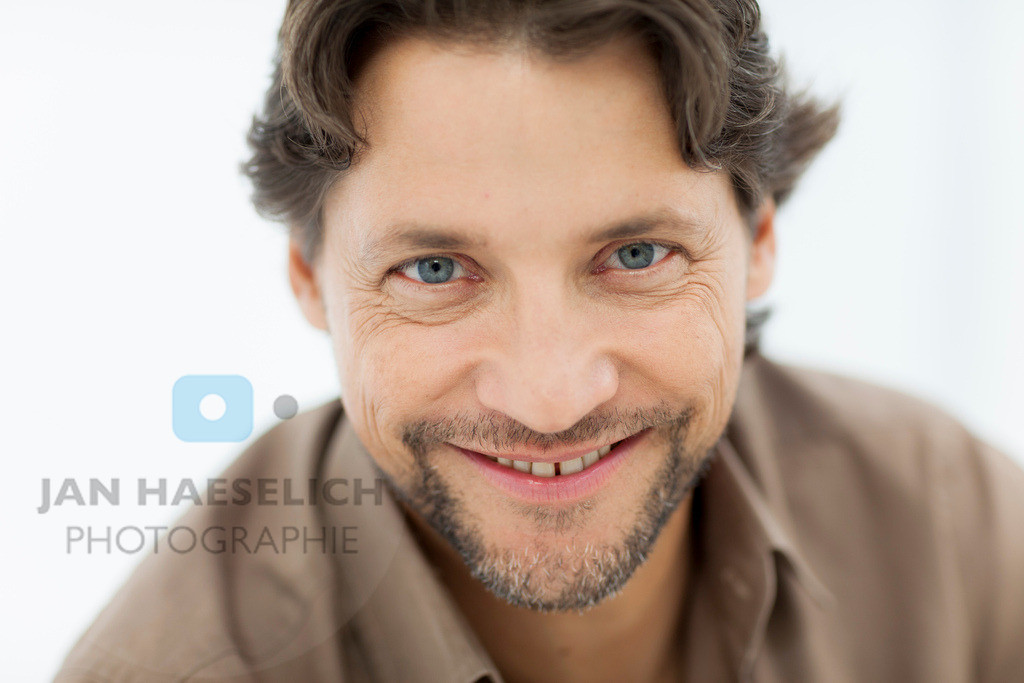 "Patrick Bach   Rote Rosen - Fototermin am 2.9.2013 in Hamburg. Die ARD-Telenovela ""Rote Rosen"