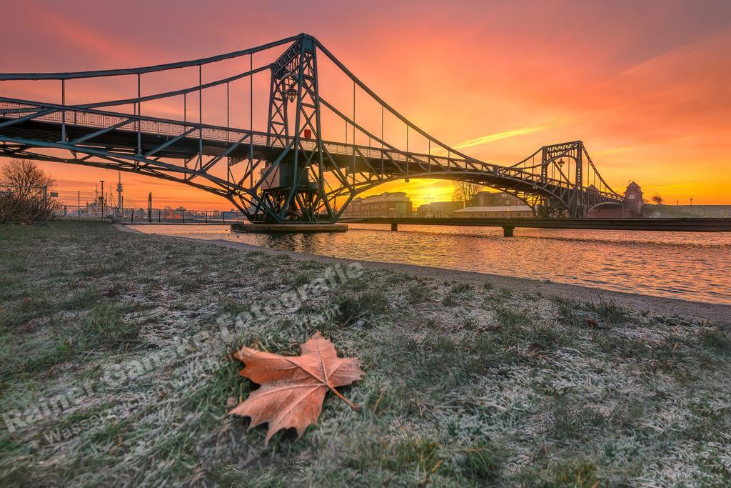 20190122 KW Brücke am Morgen Blatt