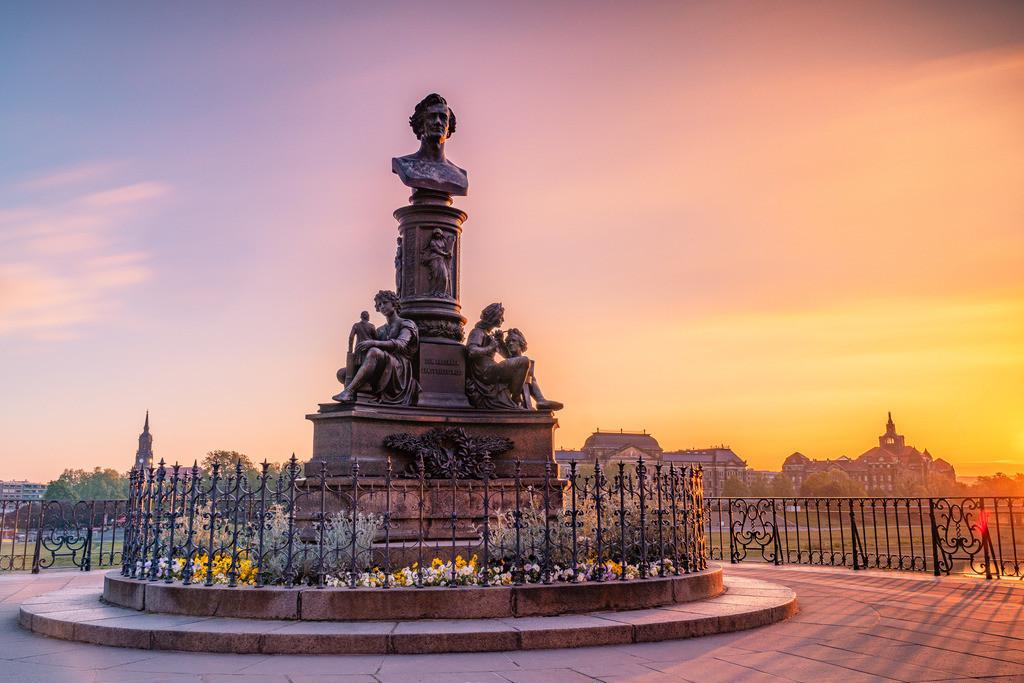 in Dresden zum Sonnenaufgang