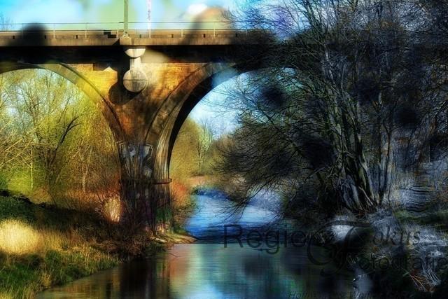 Fünf-Bogen-Brücke  | Die Fünf-Bogen-Brücke ist eine Eisenbahnbrücke, die 1884 erbaut wurde. Benutzt wurde dazu Wealdensandstein aus dem Osterwald.