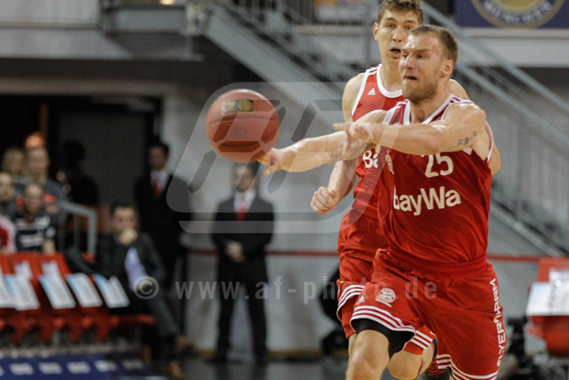 20151101_AF_W7F1722 | Anton GAVEL - SVK/GER - (#25/Shooting Guard/FC Bayern Basketball)\   Basketballgame FC Bayern vs. BG Göttingen in Munich, GERMANY at 01. November 2015  Bundesligaspiel in der deutschen Beko Basketballbundesliga zwischen dem FC Bayern Basketball und den BG Göttingen. Spielort ist der Audidome am 01.11.2016.   Basketballgame FC Bayern vs. BG Göttingen, Munich, GERMANY, , Beko Basketballbundesliga, 1. League, Germany, Audidome  Honorarpflichtiges Bild,  - fee liable image - Photo Credit: © ATP FREIESLEBEN Alexander
