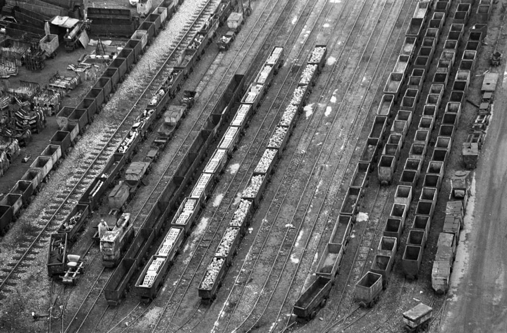 Zollverein   Essen, NRW, Deutschland,14.12.1987, Zeche Zollverein, ein Jahr nach der Schließung.