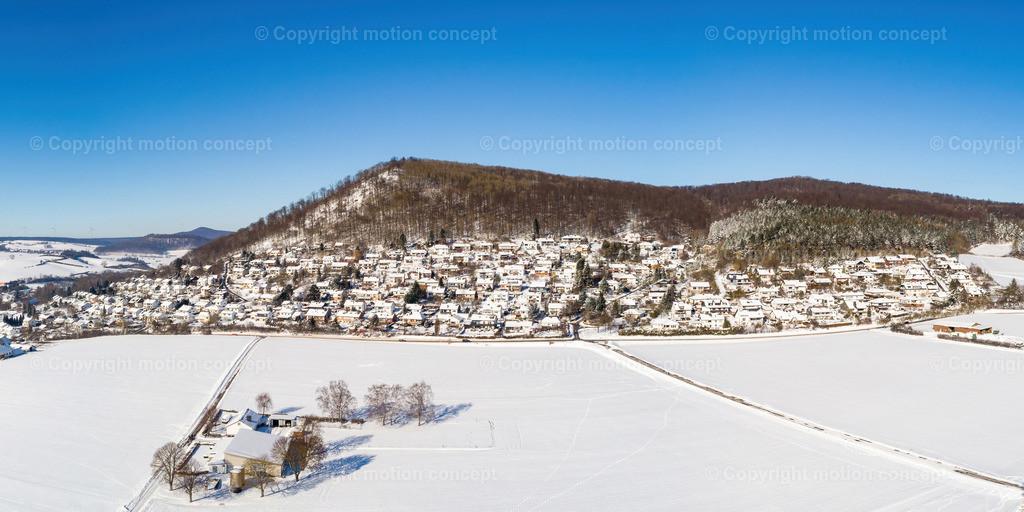 Panorama_Zierenberg vom Dörnberg_2zu1
