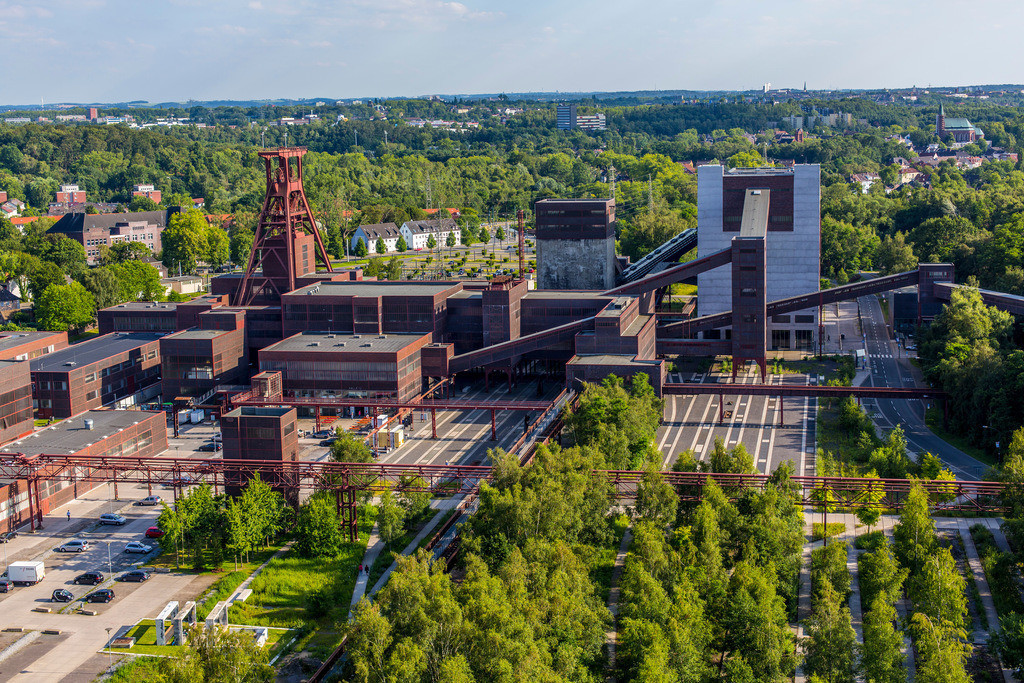 JT-140702-070 | Welterbe Zeche Zollverein, Kohlenwäsche mit dem Ruhrmuseum, Doppelbock Fördergerüst, Schacht 12,