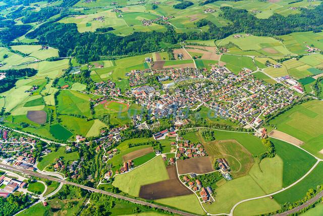 luftbild-teisendorf-bruno-kapeller-29 | Luftaufnahme von Teisendorf im Fruehling 2019
