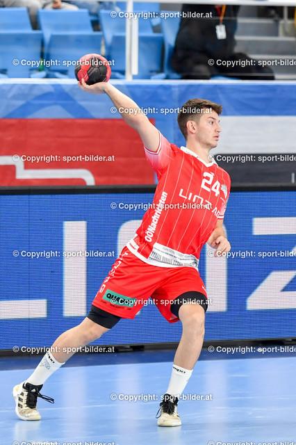 AUT, HLA, HC Linz AG vs Schwaz Handball Tirol | 09.10.2021, Sporthauptschule Linz-Kleinmuenchen, AUT, HLA, HC Linz AG vs  Schwaz Handball Tirol, im Bild Moritz Bachmann (Linz)