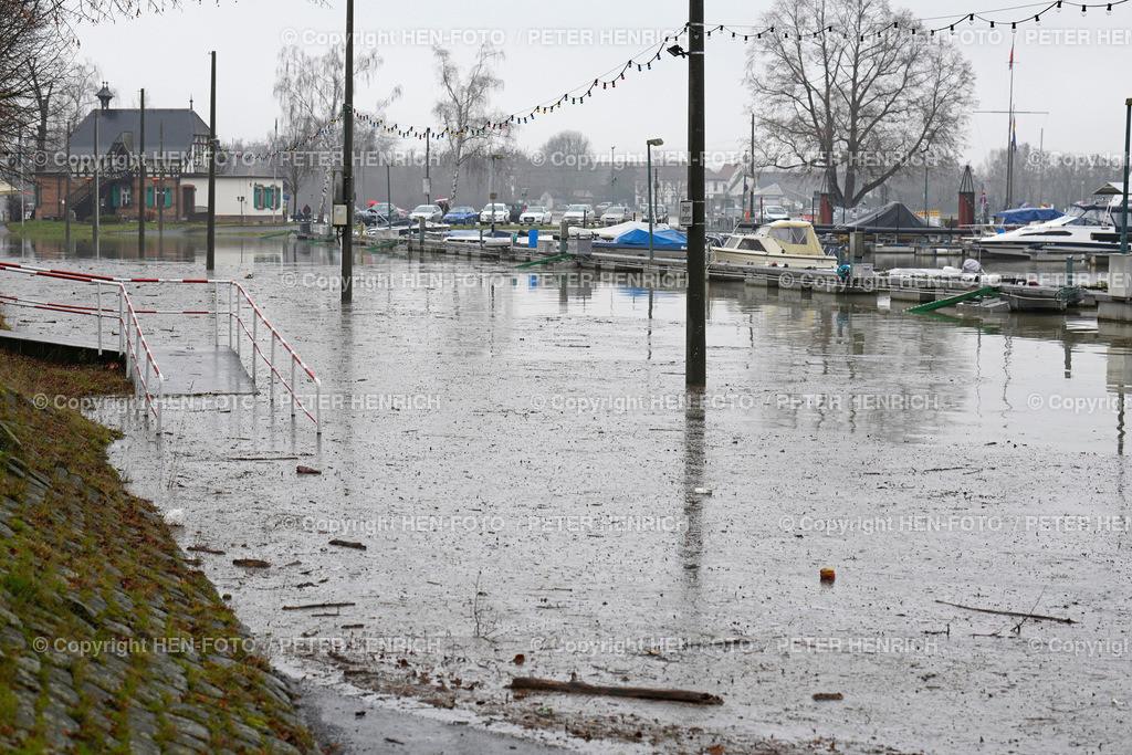Hochwasser im Hafen von Gernsheim 01.02.2021 ©HEN-FOTO   Höchster Pegelstand (5.80m) - Hochwasser im Hafen von Gernsheim am 01.02.2021 ©HEN-FOTO (Peter Henrich)