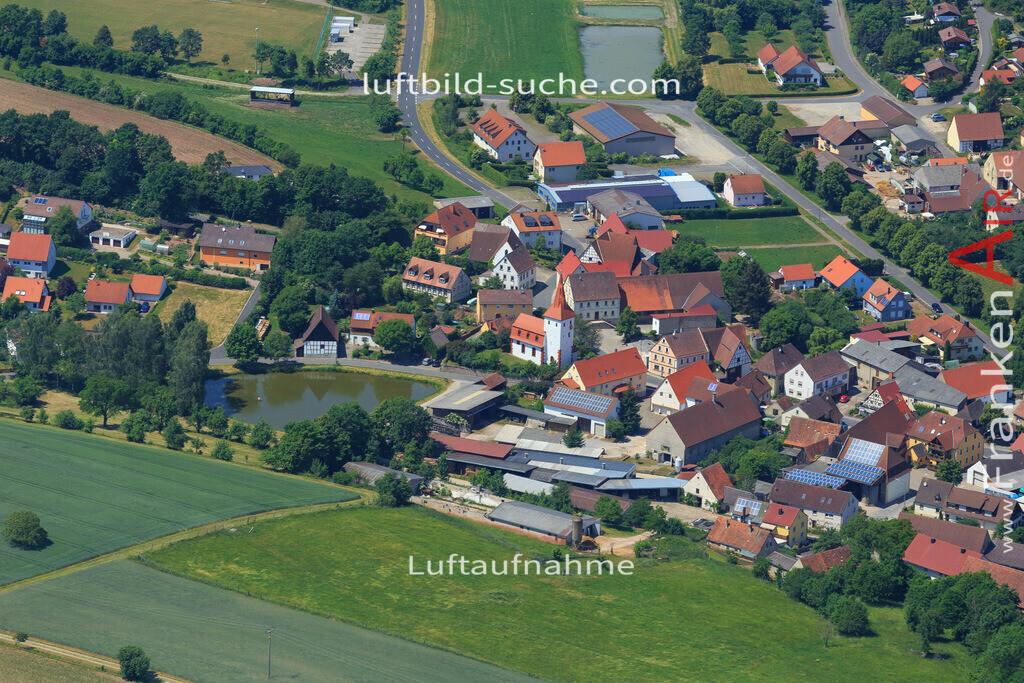markt-taschendorf-2015-1593 | Luftbild von  Markt-taschendorf - Luftaufnahme wurde 2015 von https://frankenair.de mittels Flugzeug (keine Drohne) erstellt - die Geschenkidee