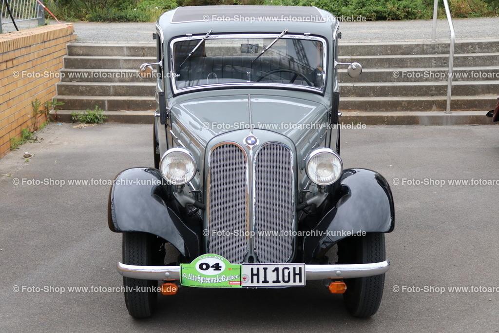 BMW 315 Limousine 2 Türen, 1934-37   BMW 315 Limousine 2 Türen, Farbe: Grau, Bauzeit 1934-37, Untere Mittelklasse, Hersteller BMW, Werk in Eisenach, Deutschland; technische Daten: 6-Zylinder-Reihenmotor, zwei Solex-Flachstromvergaser, Hubraum 1490 cm³, Leistung 34 PS bei 4000 U/min, 4 Gänge, Mittelschaltung, Hinterradantrieb, Vmax. 100 km/h, Preis einer Limousine mit 2 Türen damals: RM 3750,-