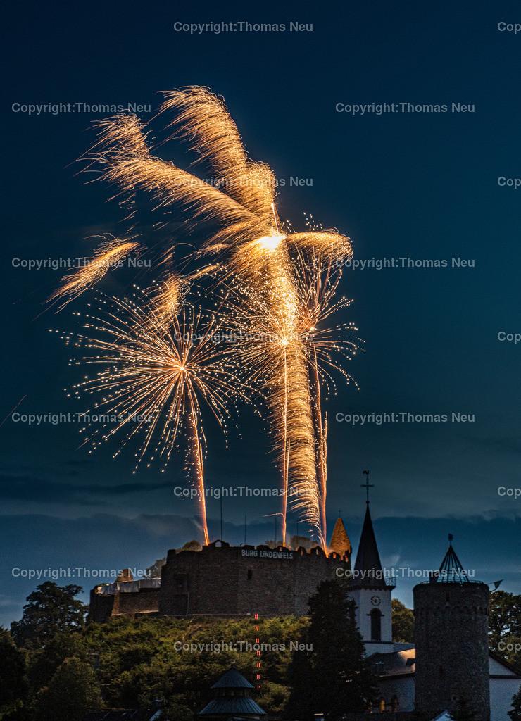 DSC_8540   Lindenfels, Burgfest Startschuss mit Lampionumzug und Feuerwerk, ,, Bild: Thomas Neu
