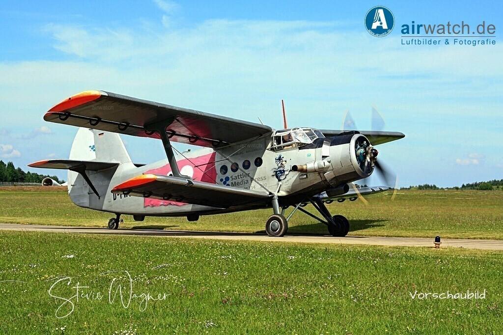Flughafen Husum, Antonow AN-2   Flughafen Husum, Antonow AN-2 • max. 4272 x 2848 pix