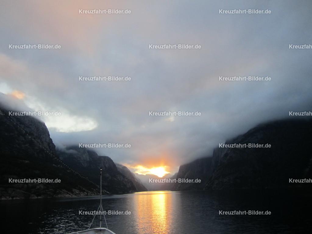 Sonnenaufgang im Lysefjord | Sonnenaufgang im Lysefjord