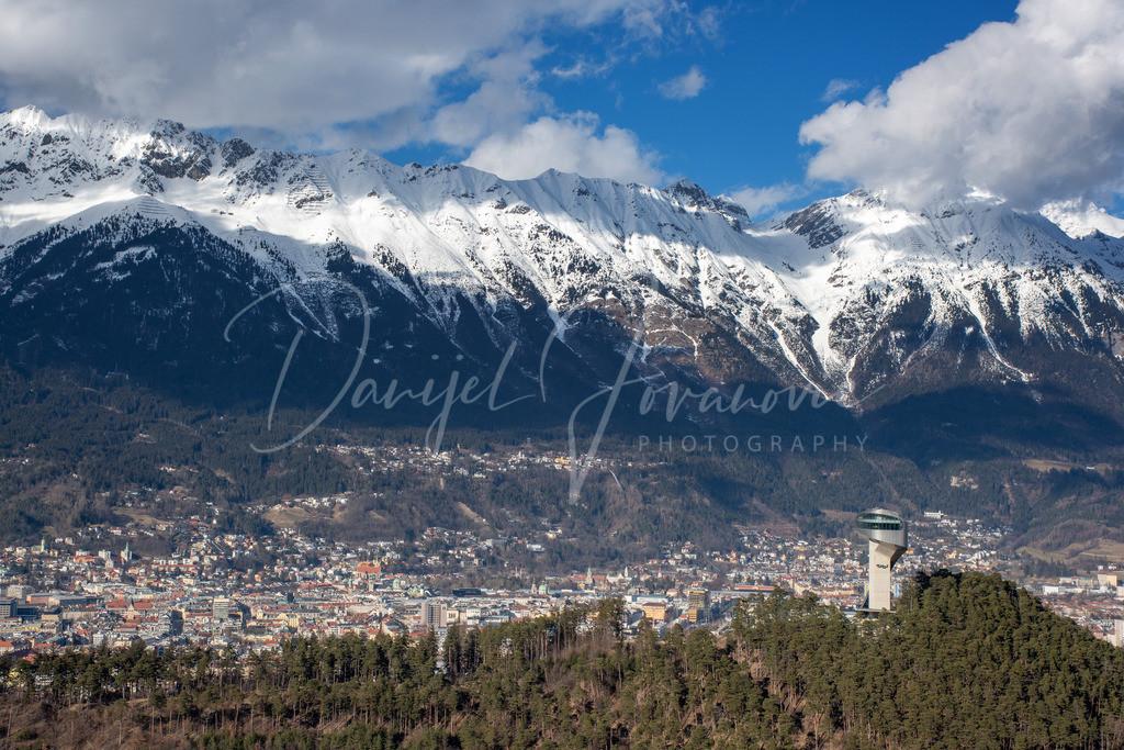 Innsbruck | Blick auf Bergisel, Innsbruck und die Nordkette