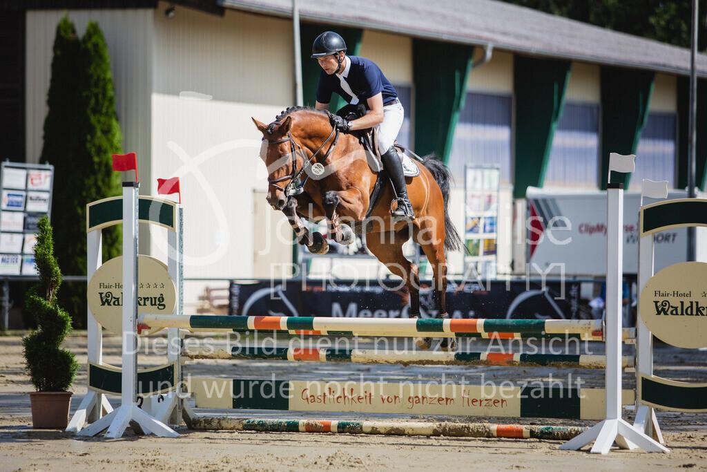 200819_Delbrück_Sprpf-A_1_2-037 | Delbrück Masters 2020 Springpferdeprüfung Kl. A* 4jährige Pferde