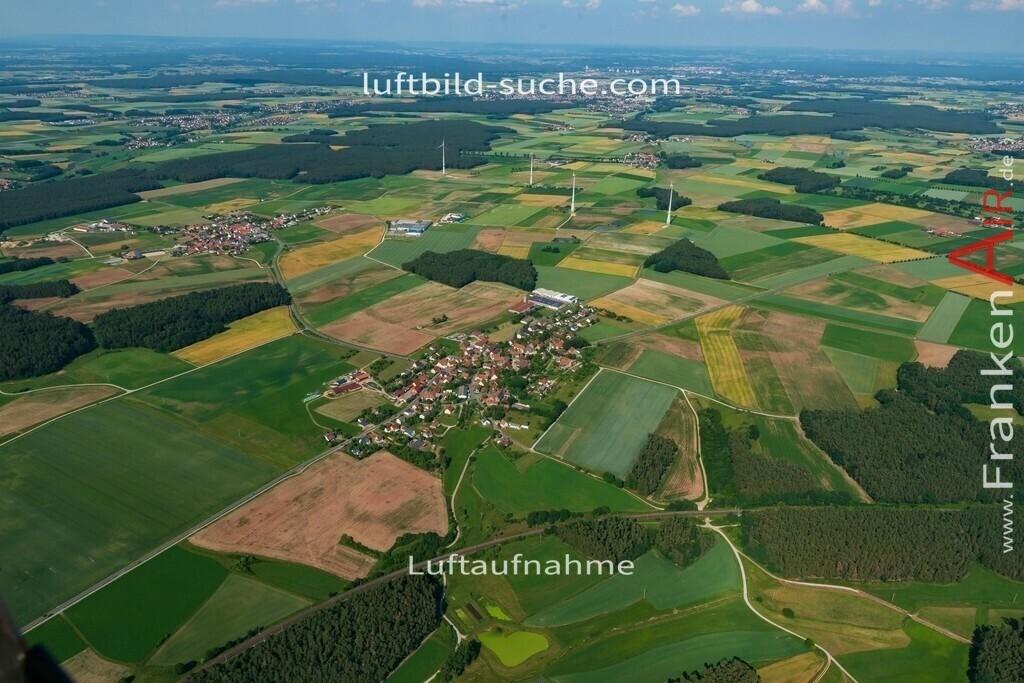 pirkach-emskirchen-18-796   aktuelles Luftbild von Pirkach Emskirchen - Luftaufnahme wurde 2018 von https://frankenair.de mittels Flugzeug (keine Drohne) erstellt.