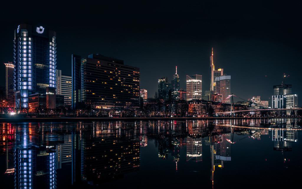 Die Skyline Frankfurt  | Reflektion im Eis