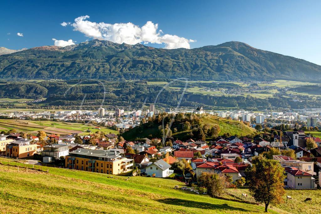Arzl | Blick auf Arzl, den Kalvarienberg und den Patscherkofel