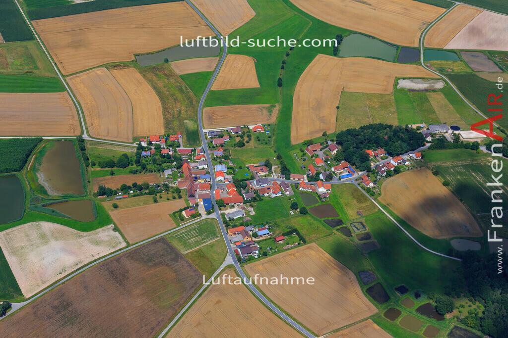 schwarzenbach-hoechstadt-17-4884 | Luftbild von Schwarzenbach Hoechstadt - Luftaufnahme wurde 2017 von https://frankenair.de mittels Flugzeug (keine Drohne) erstellt - die Geschenkidee