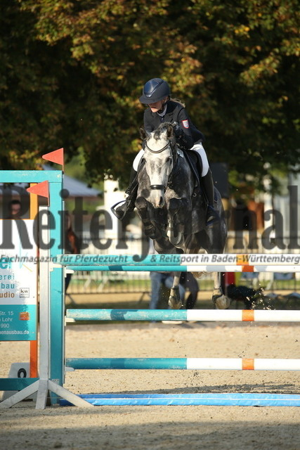 Rot am See_2021_Ponyspringprüfung_Kl.M_Theresa Hildebrandt_Miraculie SGN WE 2 (9)
