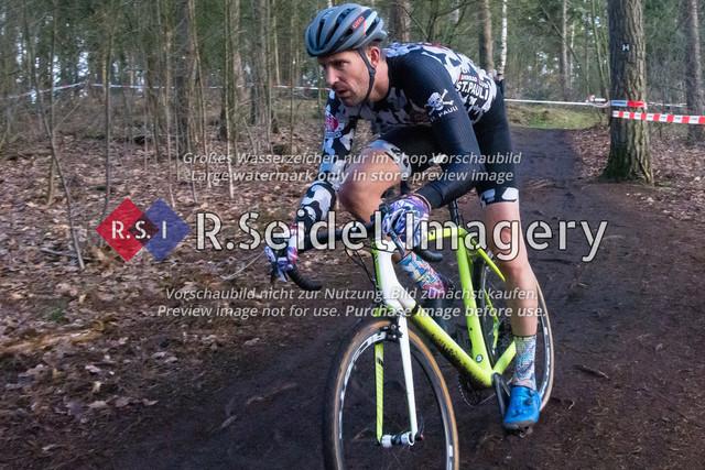 Radsport, Stevens Cyclocross Cup 2019, 10. Lauf (RSG Nordheide), Rennen 9 (Elite Herren + U23, Masters 2 / Elite Ü40 und Junioren U19), Buchholz i.d.N., 19.01.2020 | Lars Kneller (FC St. Pauli, #163, Masters 2)