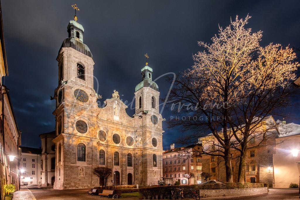 Dom Sankt Jakob | Der Domplatz und der Dom Sankt Jakob in der Innsbrucker Altstadt