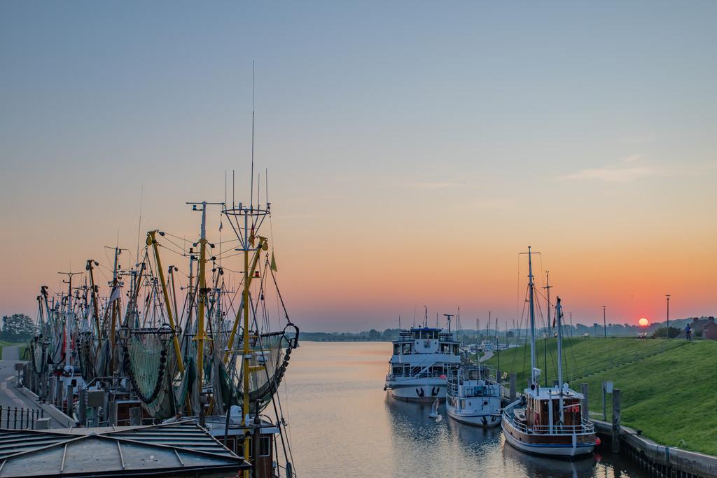 Hafen 013 | Sonnenaufgang im Greetsieler Hafen