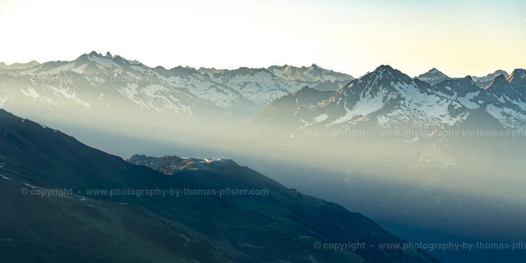 Blick auf die Zillertaler Alpen und das Penkenjoch-1