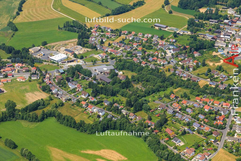 schoenbrunn-wunsiedel-2016-247   Luftbild von Schoenbrunn Wunsiedel - Luftaufnahme wurde 2016 von https://frankenair.de mittels Flugzeug (keine Drohne) erstellt - die Geschenkidee