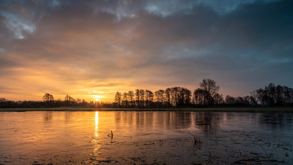 Sonnenaufgang im Teufelsmoor | Sonnenaufgang am 10.01.2021 an einer Blänke.