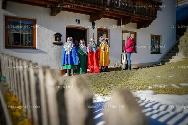 AF_00792-01 | Sternsinger - Unterwegs in Mühlbachl / Tirol, Dreikönigstag