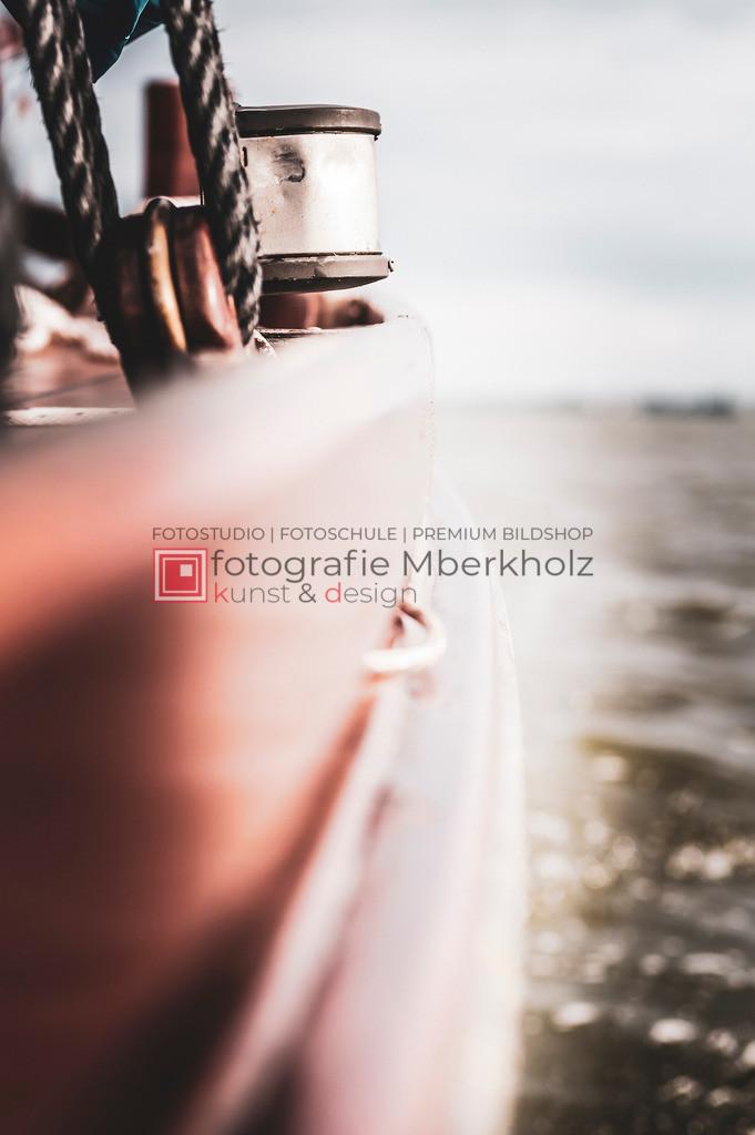@Marko_Berkholz_mberkholz_MBE6621 | Die Bildergalerie Zeesenboot | Maritim | Segel des Warnemünder Fotografen Marko Berkholz zeigt maritime Aufnahmen historischer Segelschiffe, Details, Spiegelungen und Reflexionen.